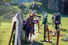 Średniowieczny historyczny festiwal, rycerze turniejowi Obraz Stock