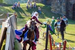 Średniowieczny historyczny festiwal, rycerze turniejowi Fotografia Royalty Free