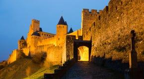Średniowieczny kasztel Carcassonne w nocy Obrazy Stock