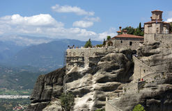 Średniowieczny Ortodoksalny monaster lokalizuje na górze falezy amon Obraz Stock