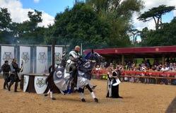 Średniowieczny Reenactment przy Warwick kasztelem, Anglia Zdjęcia Royalty Free