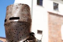 średniowieczny w kasku rycerz fotografia royalty free