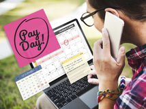 Redovisning för löndag som packar ihop begrepp för budget- ekonomi Fotografering för Bildbyråer