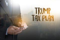 Redovisning T för pengar för plan för skatt för trumf för skattTid dokument finansiell royaltyfria foton