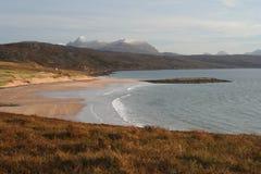Redpoint Strand und die Torridon Berge, Nordwesthochländer von Schottland, Nordwesthochländer von Schottland Stockfotografie