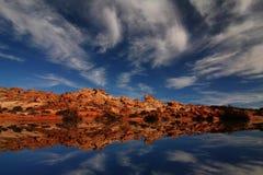 Redrock Reflexionen lizenzfreie stockfotos
