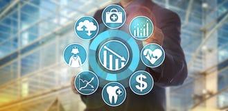 Reducción de costes de Monitoring Health Care del analista de los datos Imagenes de archivo