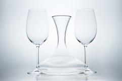 Redwine Gläser mit Dekantiergefäß Lizenzfreie Stockbilder