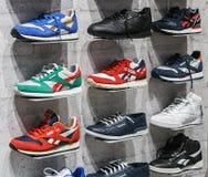 Reebok sportar shoppar i Moskva Royaltyfri Foto