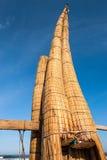Традиционные перуанские малые шлюпки Reed стоковое изображение rf
