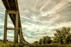 Reedy Point Bridge gegen Himmel Stockfoto