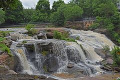 Reedy River Falls in im Stadtzentrum gelegenem Greenville Sc Lizenzfreies Stockbild