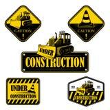 Reeks in aanbouw emblemen, etiketten en vector illustratie
