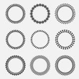 Reeks abstracte kronen van de de laurier bladerrijke tarwe van silhouet ronde bladeren Vlak Ontwerp royalty-vrije illustratie