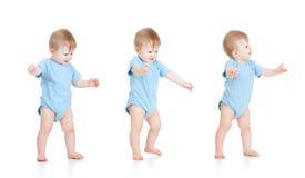 Reeks babys. Eerste stappen. Stock Foto