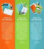 Reeks banners terug naar school met kantoorbehoeften, omslagen, boeken en notitieboekjes met plaats voor uw tekst Vector Royalty-vrije Stock Afbeeldingen