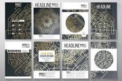 Reeks bedrijfsmalplaatjes voor brochure, vlieger of boekje Gouden technologiepatroon op donkere achtergrond met het verbinden royalty-vrije illustratie