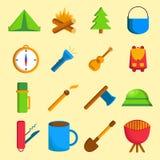 Reeks beeldverhaal het kamperen pictogrammen Stock Afbeeldingen