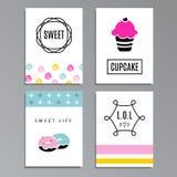 Reeks begroetende of journaling kaarten met cupcakes en doughnuts Stock Foto