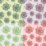 Reeks bloemen naadloze patronen van l met de hand getrokken illustraties van de krabbelbloem Vector Illustratie