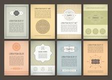 Reeks brochures in uitstekende stijl Vectorontwerpmalplaatjes Geometrische retro kaders Stock Afbeeldingen