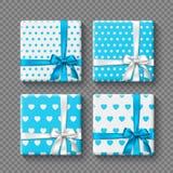 Reeks 3d giftdozen met realistische boog in witte en blauwe kleuren Gestippeld en hartenpatroon Decoratieve elementen met royalty-vrije illustratie