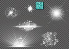 Reeks de sterrenuitbarstingen van het gloed lichteffect met fonkelingen op transparante achtergrond Voor het art. van het illustr stock illustratie