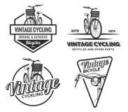 Reeks de uitstekende etiketten, de emblemen, de kentekens of emblemen van de wegfiets Royalty-vrije Stock Foto