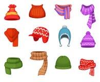Reeks de wintersjaals en kappen met verschillende kleuren en stijlen Stock Afbeelding