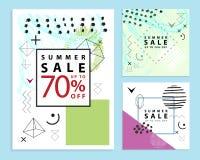 Reeks de zomer en definitieve verkoopbanners vierkant De stijl van Memphis Vector illustratie Eenvoudige geometrische vormen stock foto's