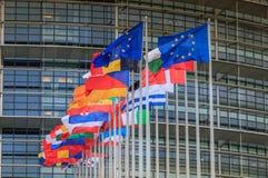 Reeks Europese vlaggen voor het Europees Parlement stock afbeeldingen