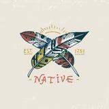 Reeks gegraveerde getrokken, oude wijnoogst, hand, etiketten of kentekens voor Indische of inheemse Amerikaan, veren royalty-vrije illustratie