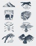 Reeks gegraveerde getrokken, oude wijnoogst, hand, etiketten of kentekens voor kamperen, wandeling, die met kale adelaar jagen bu vector illustratie