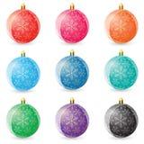 Reeks gekleurde Kerstmisballen op witte achtergrond Vector illustratie Stock Fotografie