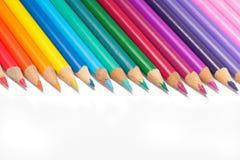 Reeks gekleurde potloden op wit Royalty-vrije Stock Afbeelding