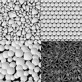 Reeks geometrische abstracte naadloze patronen op zwarte achtergrond vector illustratie