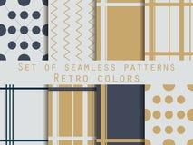 Reeks geometrische naadloze patronen Gouden en zilveren kleuren Retr royalty-vrije illustratie