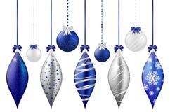 Reeks glanzende Kerstmisballen op witte achtergrond Stock Afbeelding
