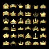 reeks gouden kronen op een zwarte achtergrond vector illustratie