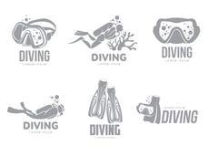 Reeks grafische het duiken embleemmalplaatjes met duikers, masker, vinnen vector illustratie