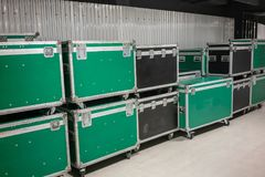 Reeks groene en zwarte gevallen van de aluminium houten vlucht royalty-vrije stock foto