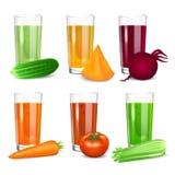 Reeks groentesappen Komkommer, tomaat, wortel, pompoen, biet Stock Foto