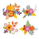 Reeks hand getrokken die boeketten van pompoen, appel en perenfruit wordt gemaakt Bloemensamenstelling met kleurrijke bladeren en royalty-vrije illustratie