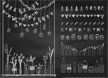 Reeks hand getrokken grenzen, slingers, kruiken, flessen met bloemen stock illustratie