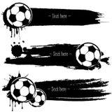 Reeks hand getrokken grunge banners met voetbalbal royalty-vrije illustratie