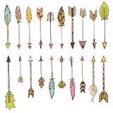 Reeks hand getrokken pijlen De vectorelementen van het Krabbelsontwerp royalty-vrije illustratie