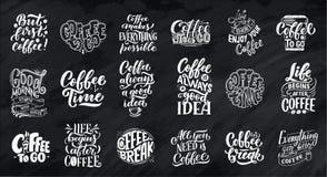 Reeks Hand het van letters voorzien citaten met schetsen voor koffiewinkel of koffie Hand getrokken uitstekende geïsoleerde typog vector illustratie