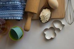 Reeks ingrediënten voor baksel worden gebruikt dat Stock Foto's