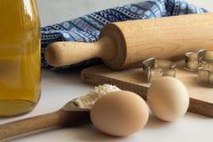 Reeks ingrediënten voor baksel worden gebruikt dat Royalty-vrije Stock Foto's
