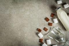 Reeks ingrediënten voor hete chocolade Stock Foto's
